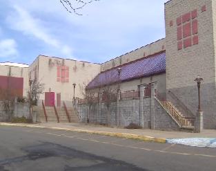 Old Showcase Cinemas in East Windsor, CT