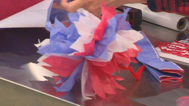 Simple red, white & blue crafts for Memorial Day