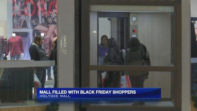 Shoppers flock to Holyoke Mall this Black Friday