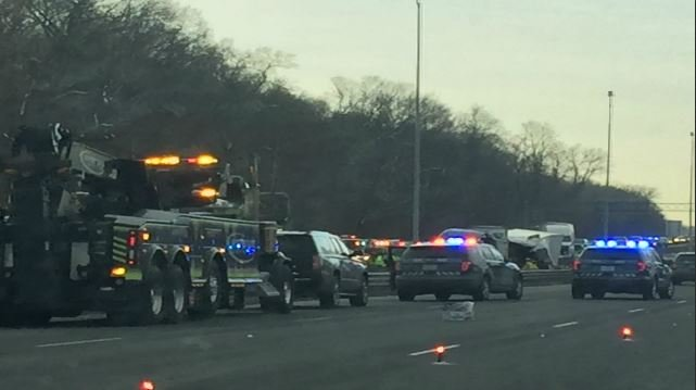 1 dead after crash on I-91 near MA, CT border