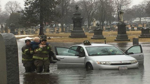 (photos courtesy Springfield Fire Department)