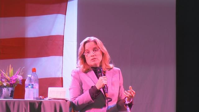 Mayor of San Juan speaks in Holyoke about transformation of Puerto Rico