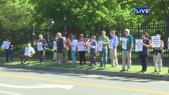 STCC employees protest against college's president