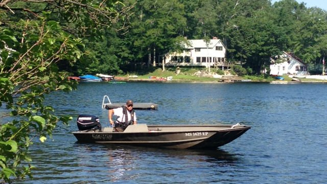 Search boats in Becket Pond (CBS 3)